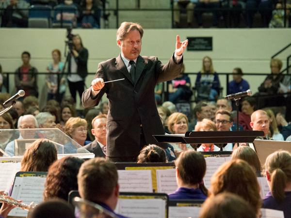 Dr. Steven Ward conducts the Big Purple Band.