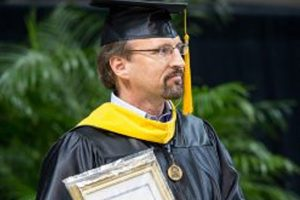 Oglesby named ACU's top teacher for 2014