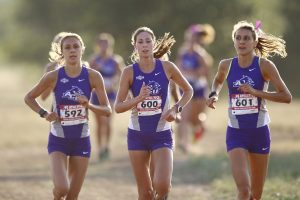 Women's cross country team dominates its home 6K