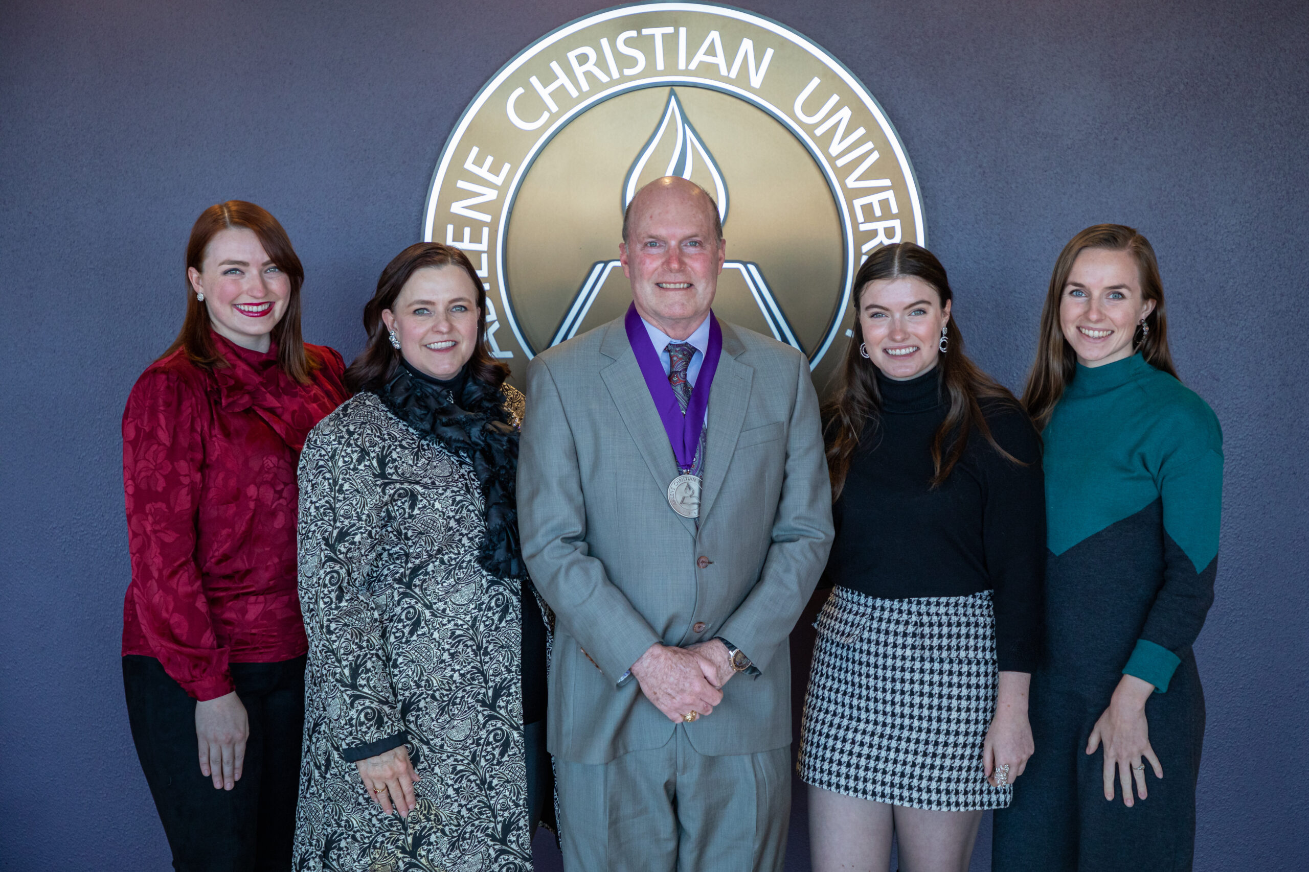 Dr. Tom Lee with his wife, Pebbles, and daughters, Isabel Lee-Rosson ('15), Victoria ('17) and Josephine